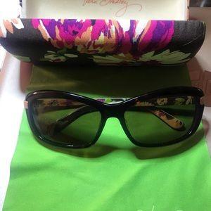 Vera Bradley Sunglasses with case